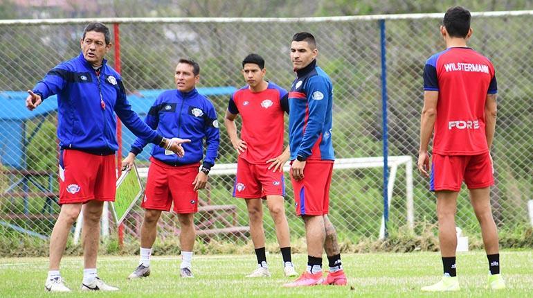 Vargas pide calma a la hinchada de Wilstermann