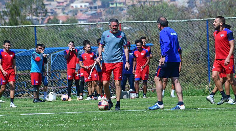 Wilstermann entrenará hoy en el Félix Capriles