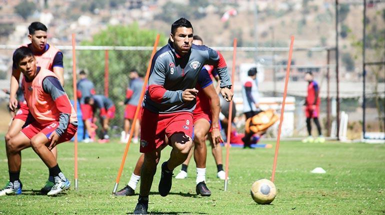 Cuerpo médico de Wilstermann informa que 'Pochi' Chávez podría sumar minutos ante Oriente